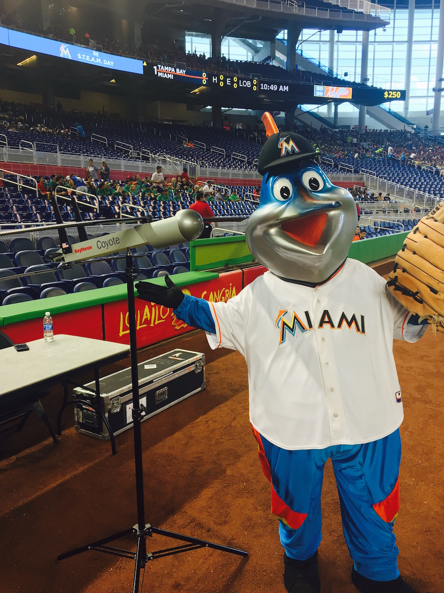 Miami Marlins mascot Billy poses with the Coyote UAS. Image credit: NOAA