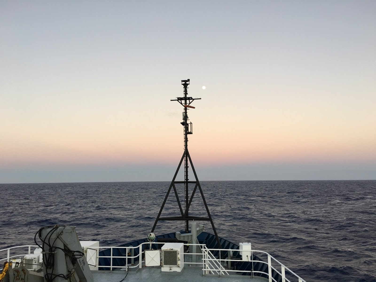 A view from the deck of the R/V Roger Revelle. Image credit: NOAA