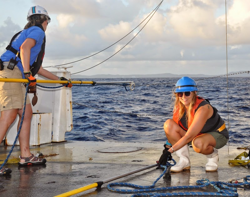 University of the Virgin Islands participant Vanessa Wright gets ready to recover the CTD. Image credit: NOAA